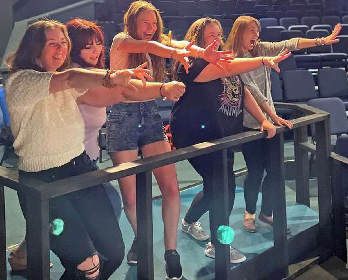 """Mary Tomlinson, Madeline Eschbacher, Alisa Ax, Emily Schneider and Megan Kay are the """"Buffalo gals"""" in Alton Little Theater's production of """"The Full Monty."""""""
