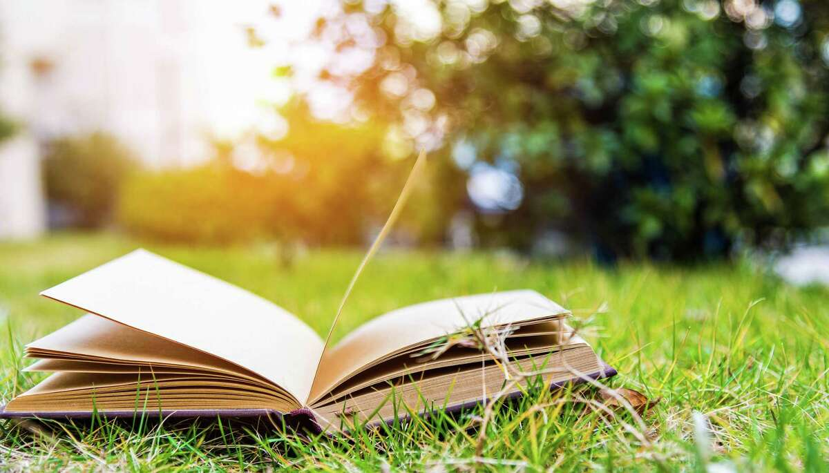 Hoping to get you or your kid to read more? Check out the summer reading programs in your area.