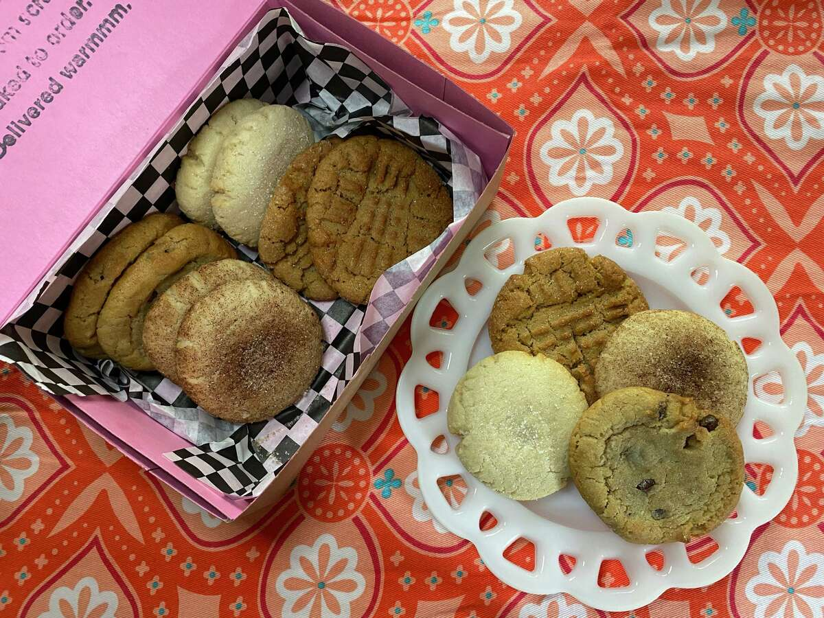 Cookie Cab's Mix It Up! package has three each of the top sellers: chocolate chip, peanut butter, snickerdoodle and sugar.