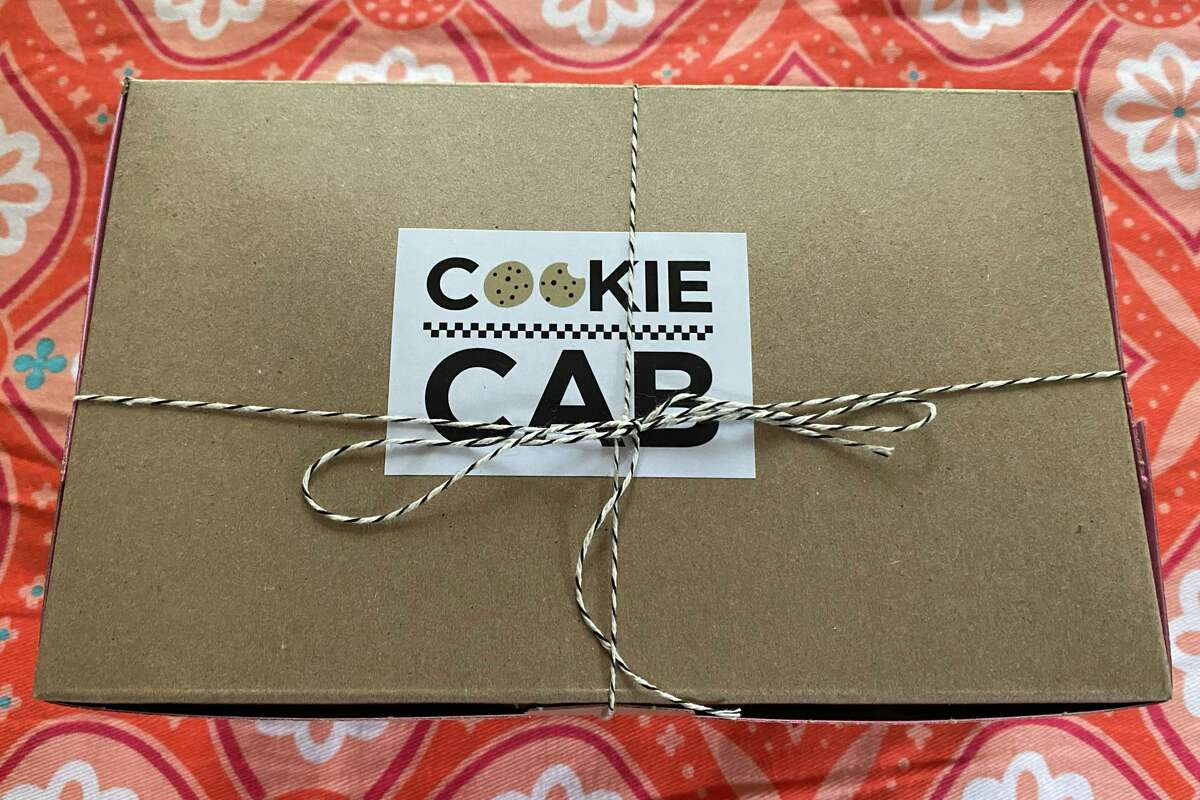 Cookie Cab's cookies arrived warm in a simple cardboard box that when opened released that gorgeous baked sugar smell that candles try and fail to replicate.
