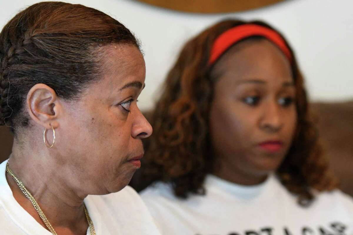 (Left to right) Mother and daughter Roslyn Stevens and Joyell Gibbs tell the story of the shooting death of their son and brotherRichárd 'Shaddi' Gibbs, who died in 2011 at age 25, in hopes of stoppinggun violence and keeping his memory alive so that his death is not in vain.