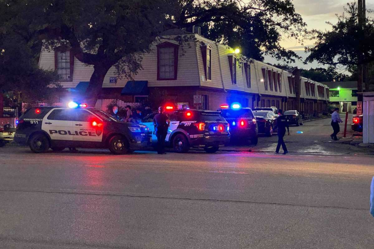 An HPD officer fatally shot a suspect in southeast Houston, at about 6 p.m. at 7525 Park Place Boulevard, on July 6, 2021.