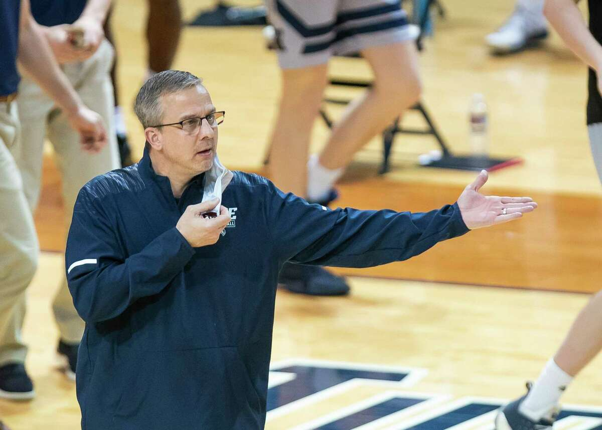 Rice men's basketball coach Scott Pera has agreed to a contract extension through 2024.