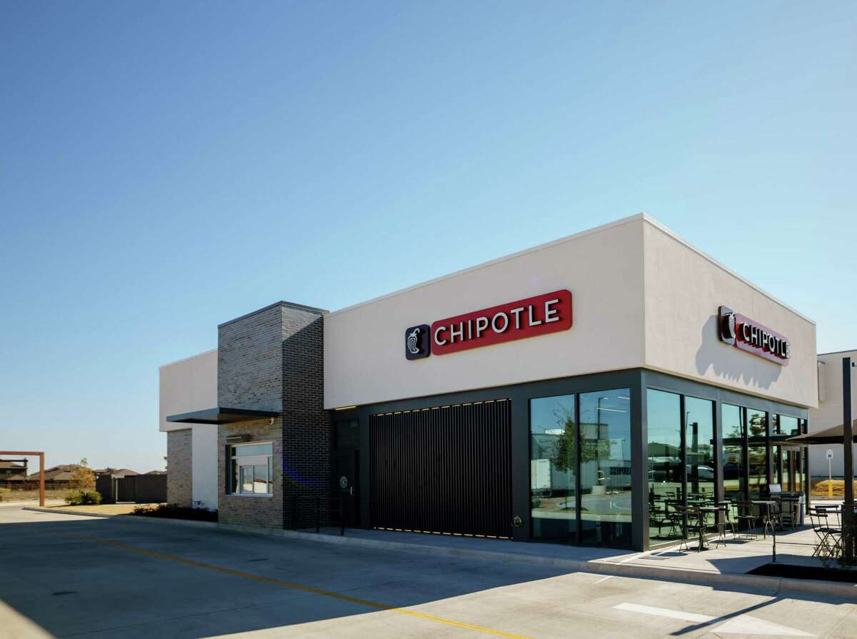 Chipotle Mexican Grill opened a new Kingwood location with a Chipotlane on June 17 according to a press release.