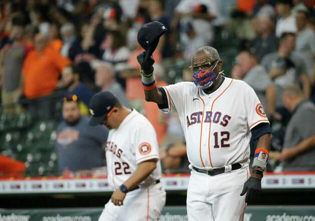 Houston Astros manager Dusty Baker Jr. (12) waves to Oakland Athletics manager Bob Melvin (6) before the start of an MLB game at Minute Maid Park on Thursday, July 8, 2021, in Houston. Photo: Godofredo A. Vásquez, Staff Photographer / © 2021 Houston Chronicle