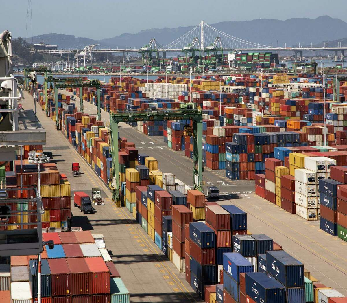 As consumers turned to online shopping during the pandemic, the volume of imports rose and the Port of Oakland saw shipping increase.