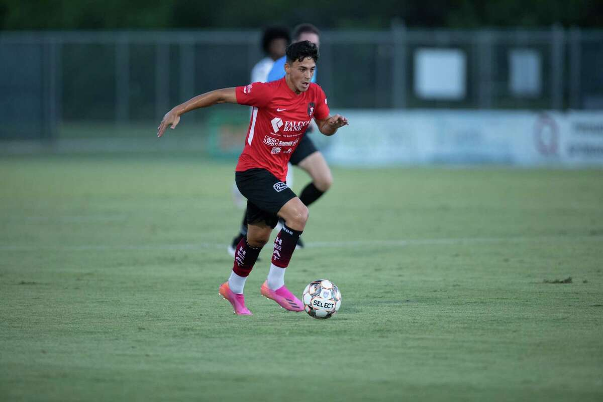 Riccardo Turcis and the Heat host the Coyotes FC at 8 p.m. Friday at the TAMIU Soccer Complex.