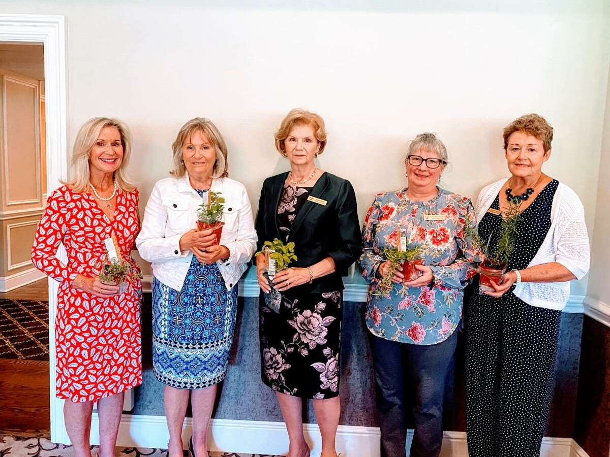 The Danbury Garden Club recently held its annual Meeting, and Luncheon at the Ridgewood Country Club in Danbury at which officers for their 2021-2023 year were installed. Awards were also presented to Garden Club members. The new pictured officers are: Denise Sladek, Rose Mary Fasano, Berni Kallas, Kathy MacLaughlin, and Darlene Russell.
