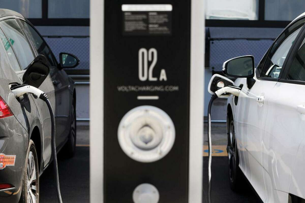 As electric car ownership increases in the Bay Area, the issue of charging cars for owners who live in apartments is arising.