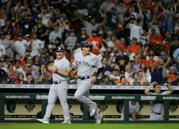 New York Yankees third baseman Gio Urshela (29) scores off a double hit by center fielder Brett Gardner (11) during the fourth inning of an MLB game against the Houston Astros at Minute Maid Park on Friday, July 9, 2021, in Houston. Photo: Godofredo A Vásquez/Staff Photographer / © 2021 Houston Chronicle