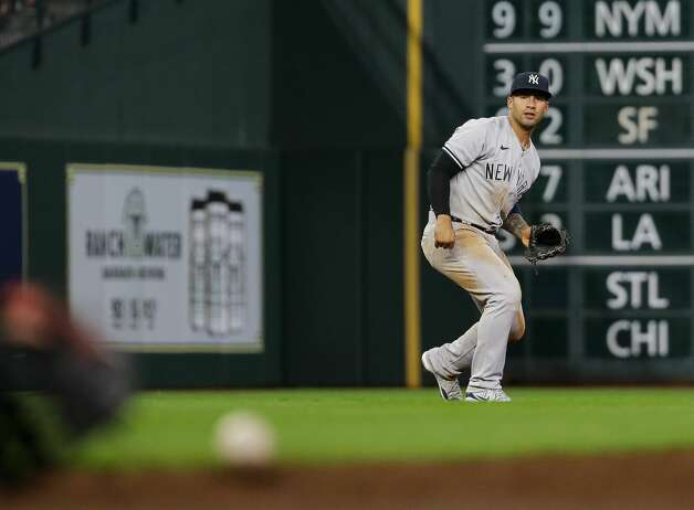 New York Yankees shortstop Gleyber Torres (25) throws to first base for the final out of the eighth inning during an MLB game at Minute Maid Park on Friday, July 9, 2021, in Houston. Photo: Godofredo A Vásquez/Staff Photographer / © 2021 Houston Chronicle