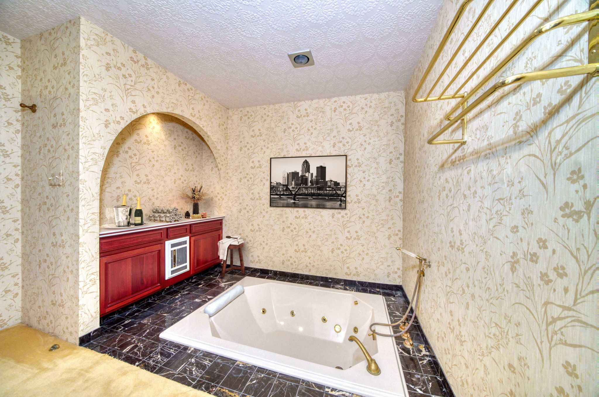 All of the home's nine bedrooms have en suites. There are an additional two full bathrooms and one half-bathroom as well (a total of 11.5).