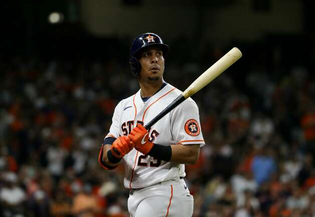 Houston Astros left fielder Michael Brantley (23) walks back to the dugout after flying out against the New York Yankees in the 9th inning of an MLB game at Minute Maid Park on Saturday, July 10, 2021, in Houston. Photo: Godofredo A Vásquez/Staff Photographer / © 2021 Houston Chronicle