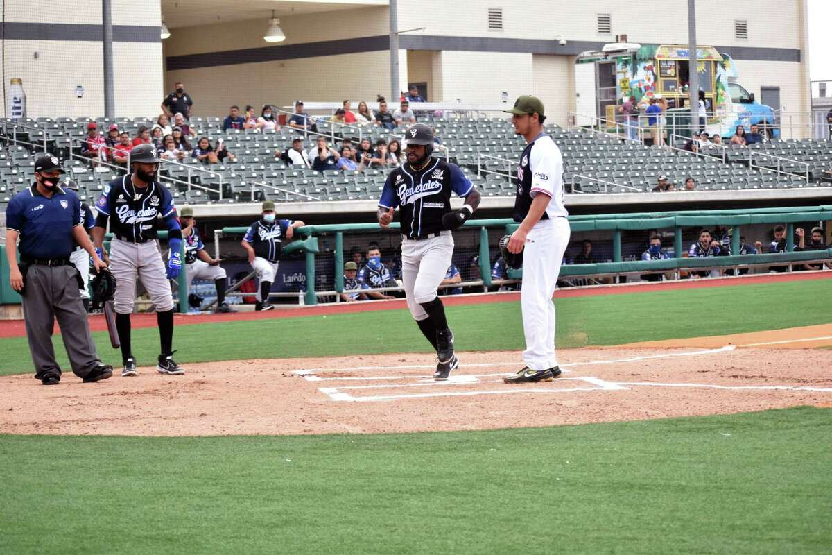 The Tecolotes Dos Laredos fell to the Generales de Durango 7-4 on Saturday. The result was the two-nation organization's fifth straight loss.