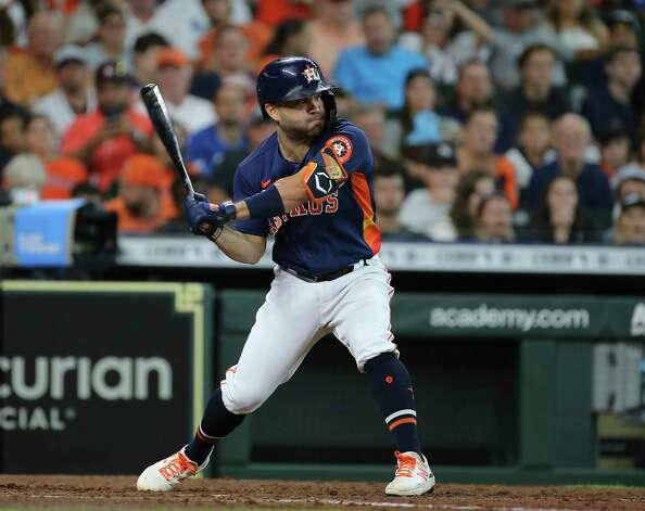 Houston Astros second baseman Jose Altuve (27) is at bat during the bottom third inning of the MLB game against the New York Yankees Sunday, July 11, 2021, from Minute Maid Park in Houston. Photo: Yi-Chin Lee, Staff Photographer / © 2021 Houston Chronicle