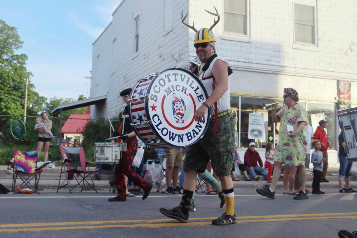 The Scottville Clown Band makes its appearance at the Bear Lake Days Parade on Saturday. (Robert Myers/News Advocate)
