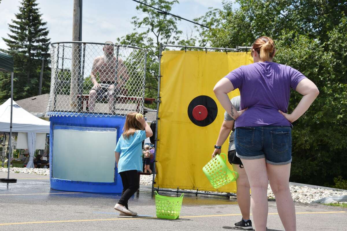 Spend 10 minutes at the Bear Lake Days dunk tank and one may see a good dunking going on whether the kids play by the rules or not. Here we see some of the sights from the Bear Lake Days dunk tank from Saturday afternoon.