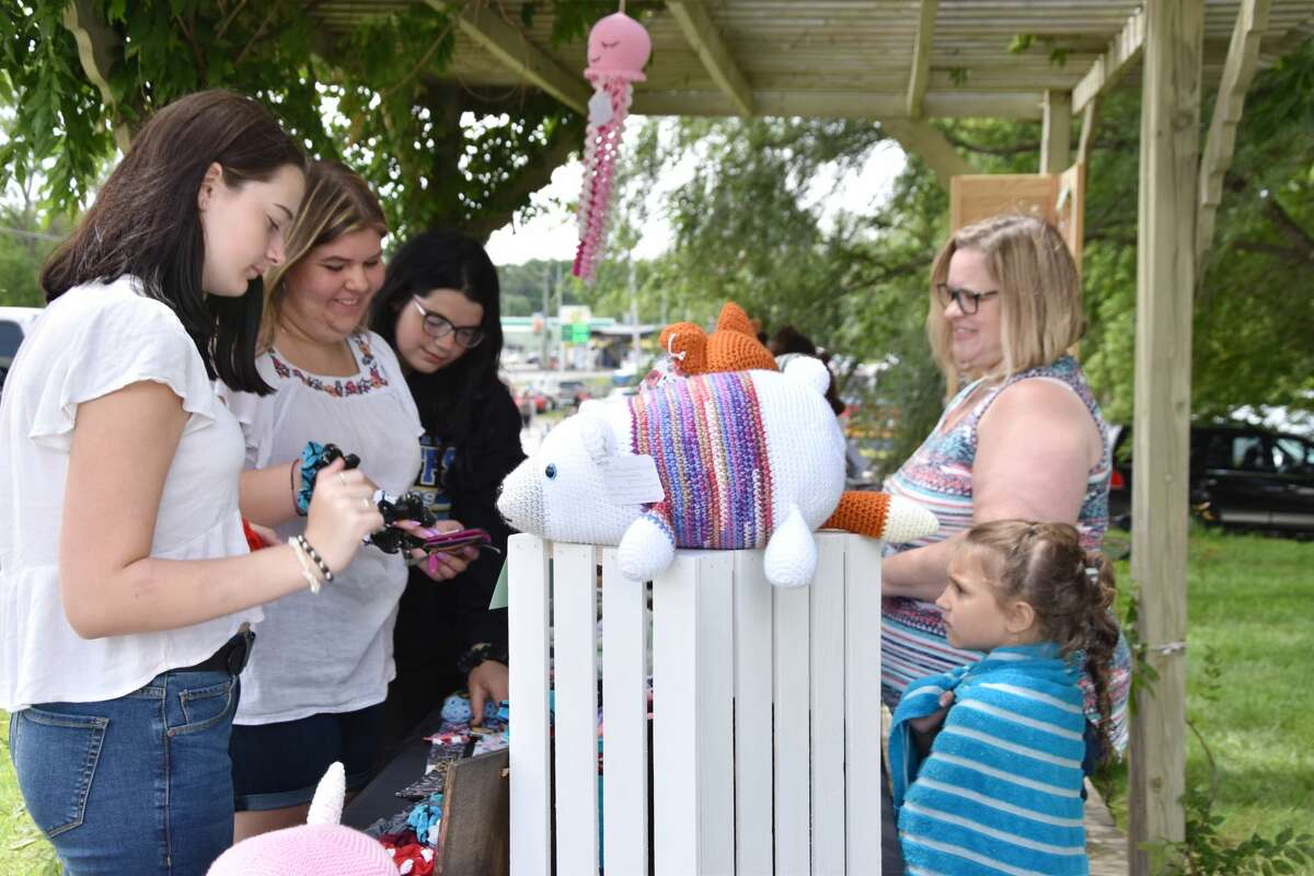 Bear Lake Days saw plenty of visitors in the arts and crafts areas on Saturday.