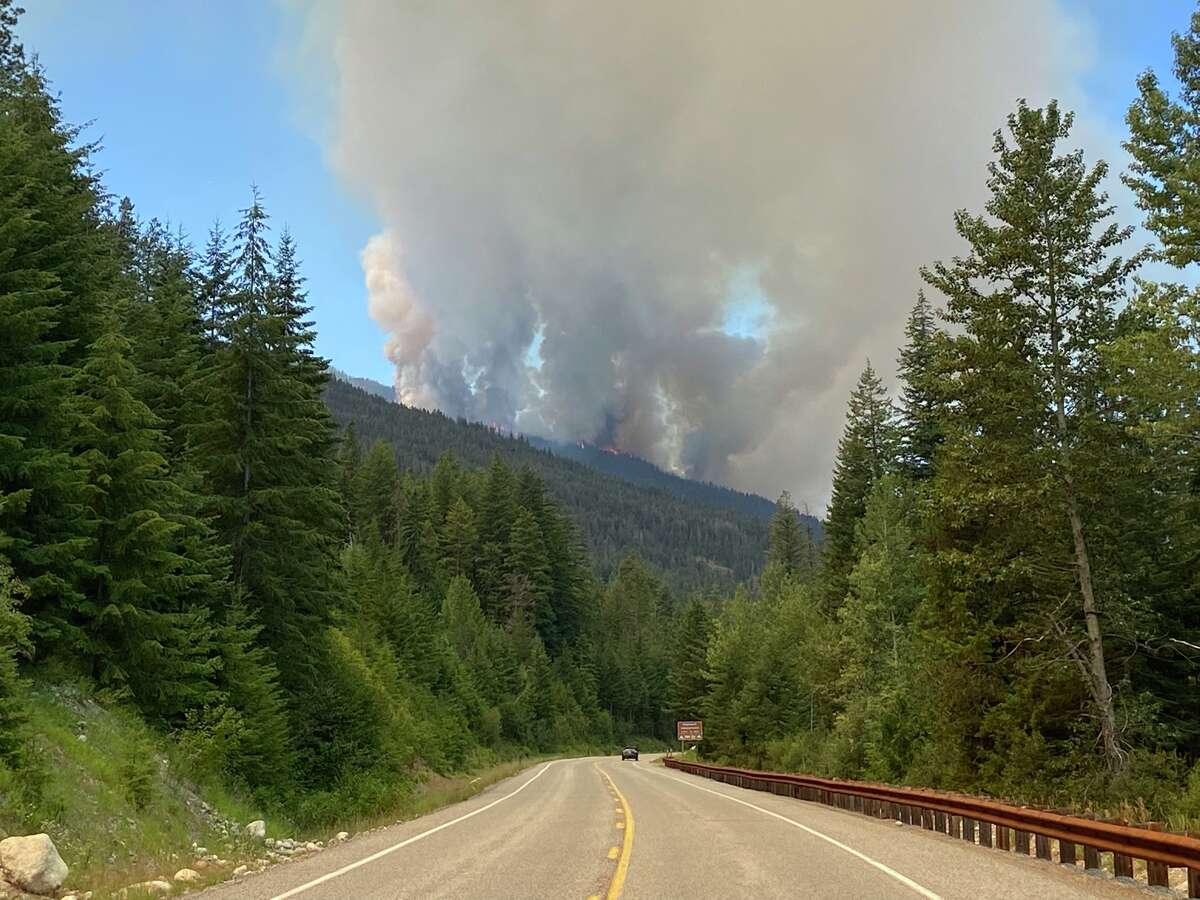 Portion of North Cascades Highway to close for wildfire response.