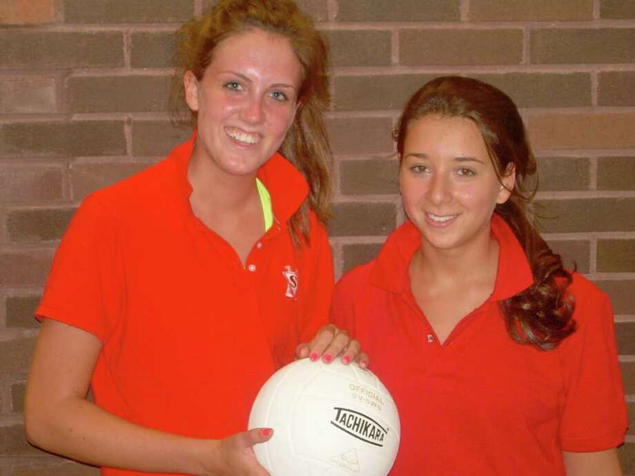 Emma Phillips, left, and Alex Manasseri are the captains of the Greenwich Academy volleyball team. Photo: Rob Kelley, ST / Greenwich Citizen