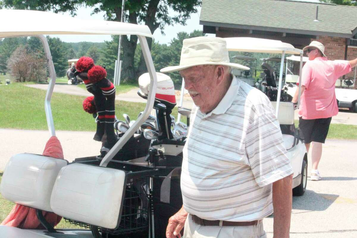 Reed City's Tom Alderson, 89, gets ready for a round of golf last week at Spring Valley Golf Course. (Pioneer photo/John Raffel)
