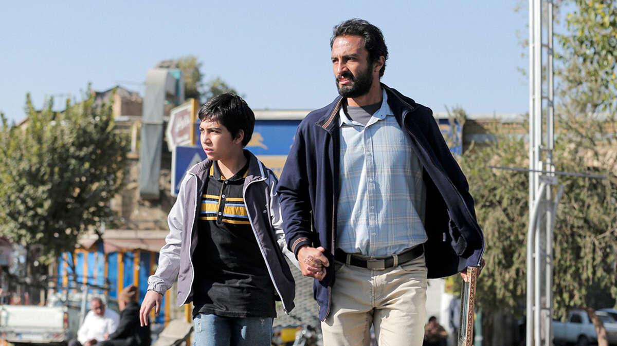 Director: Asghar FarhadiWith: Amir Jadidi, Mohsen Tanabandeh, Sahar Goldust, Fereshteh Sadre Orafaiy, Alireze Jahandideh, Sarina Farhadi, Maryam Shahdaei.