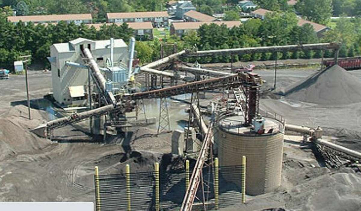 Cohoes' Norlite aggregate plant and incinerator is next to a public housing project.