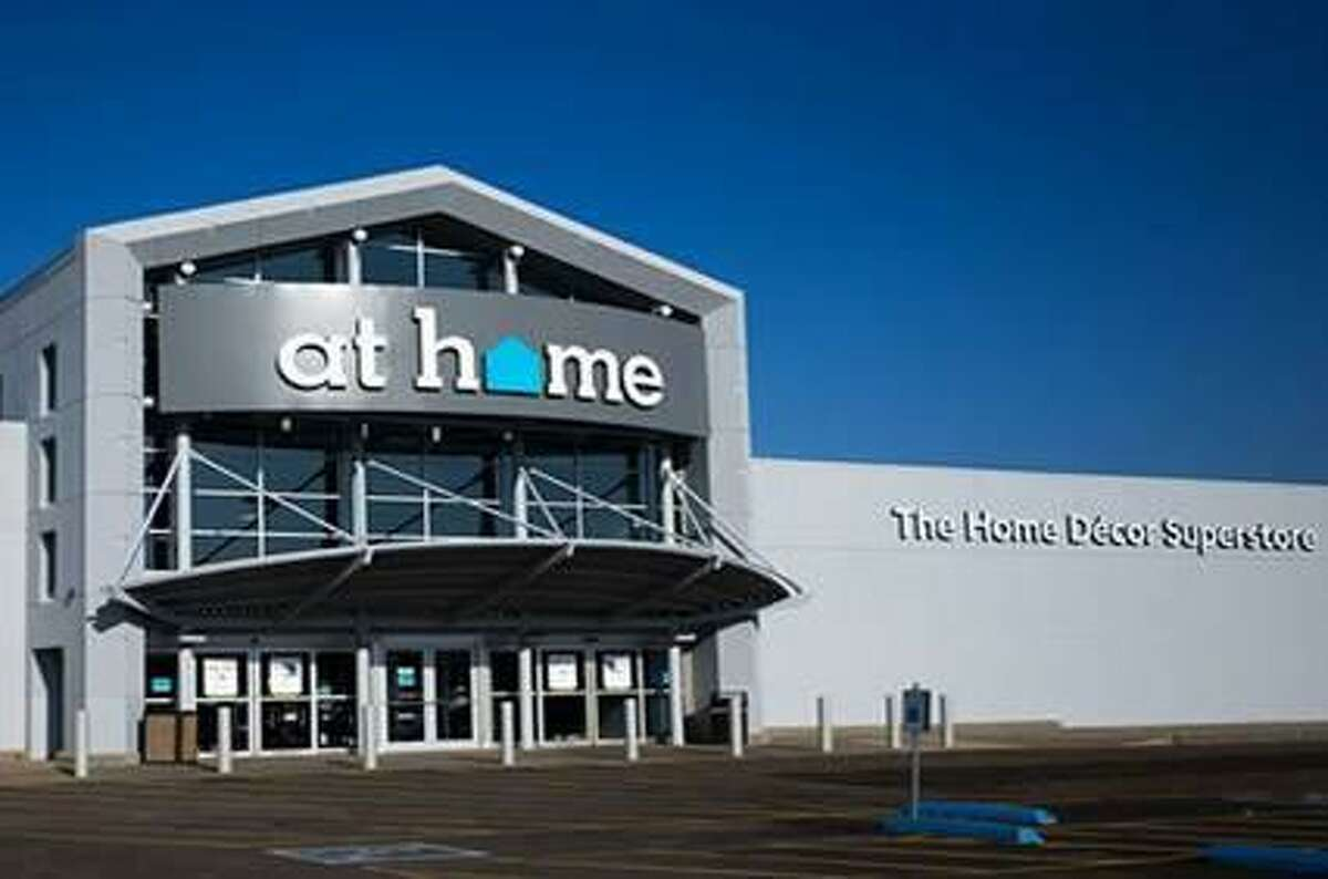Decor retailer At Home will open up a store in North Haven early next year.