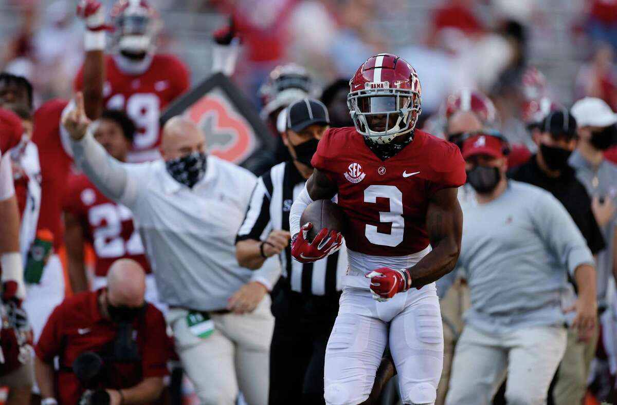 When Daniel Wright intercepted Kellen Mond and returned it for a touchdown before the half, Alabama broke away from a 21-14 game.