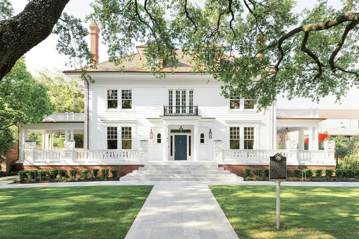 Jerry Hooker and Jacob Sudhoff received a 2020 Good Brick Award from Preservation Houston for restoring the C.L. Neuhaus House (1909) in Courtlandt Place.