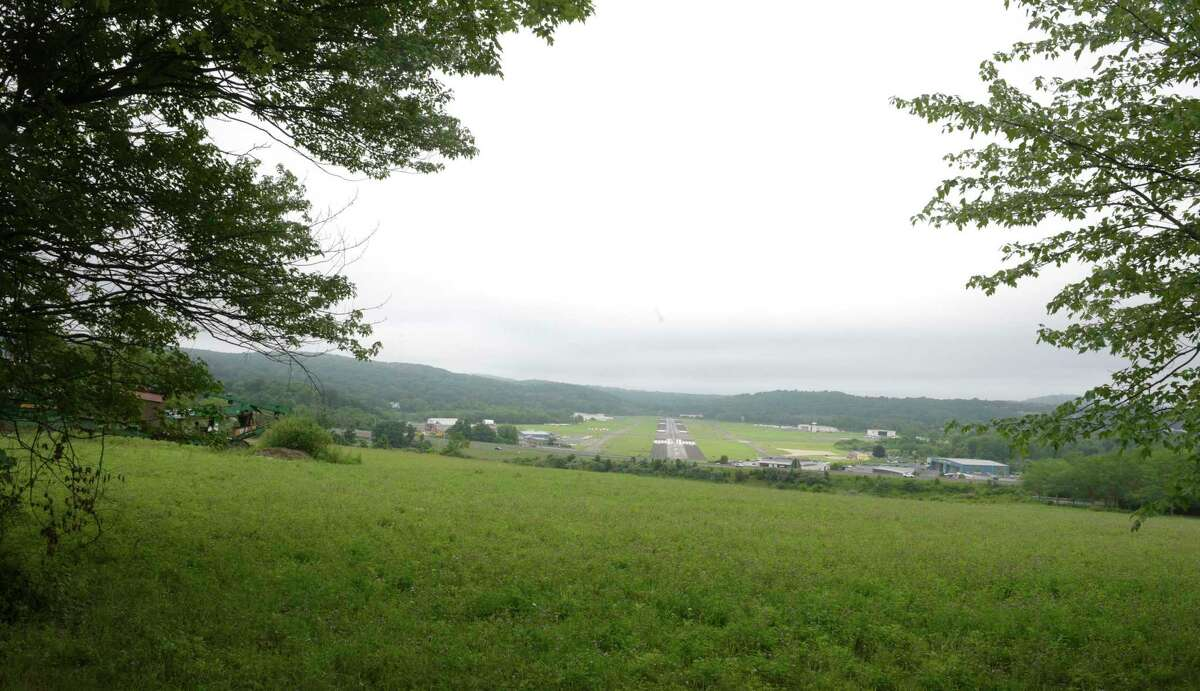 Proposed site of Danbury Proton cancer treatment center on Wooster Heights Road, Danbury, Conn. Wednesday, July 14, 2021. View from Lee Farms Road.