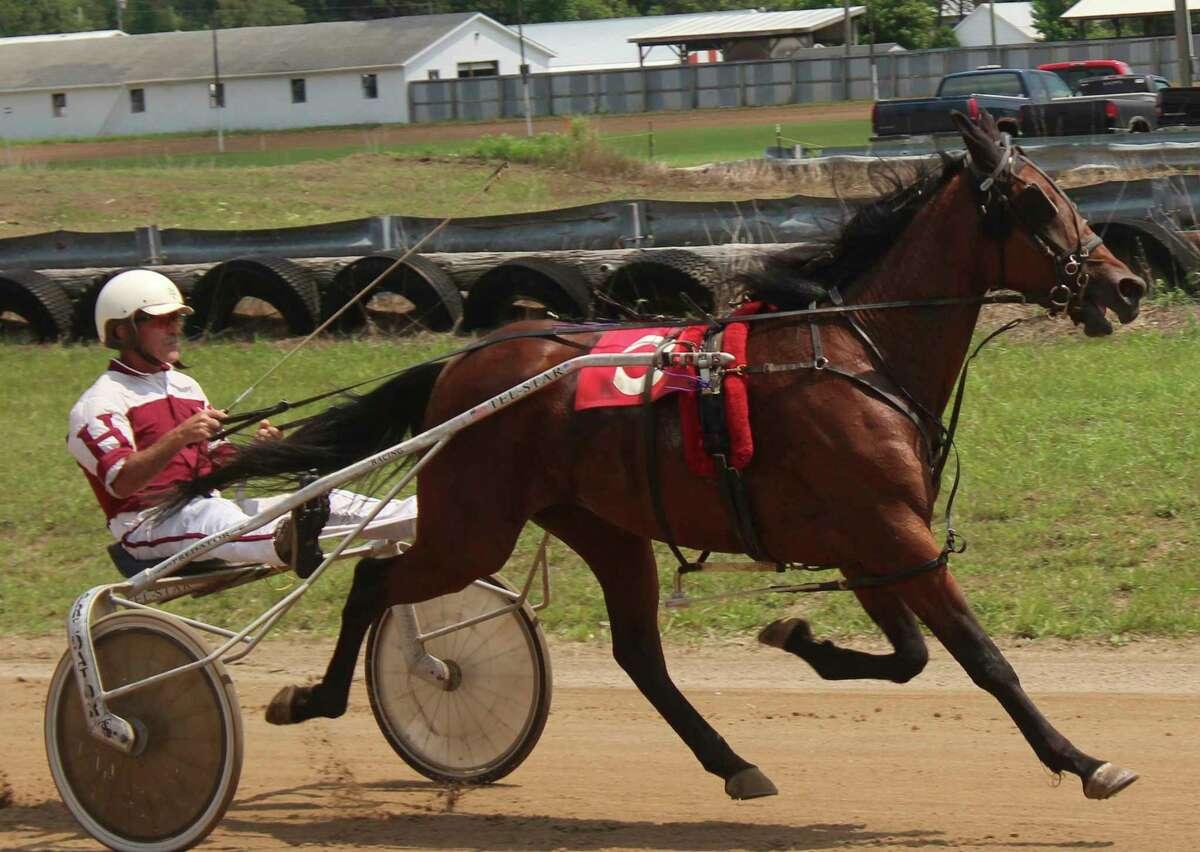 Hoffman and Secret Stash compete in Wednesday's race. (Pioneer photo/Joe Judd)