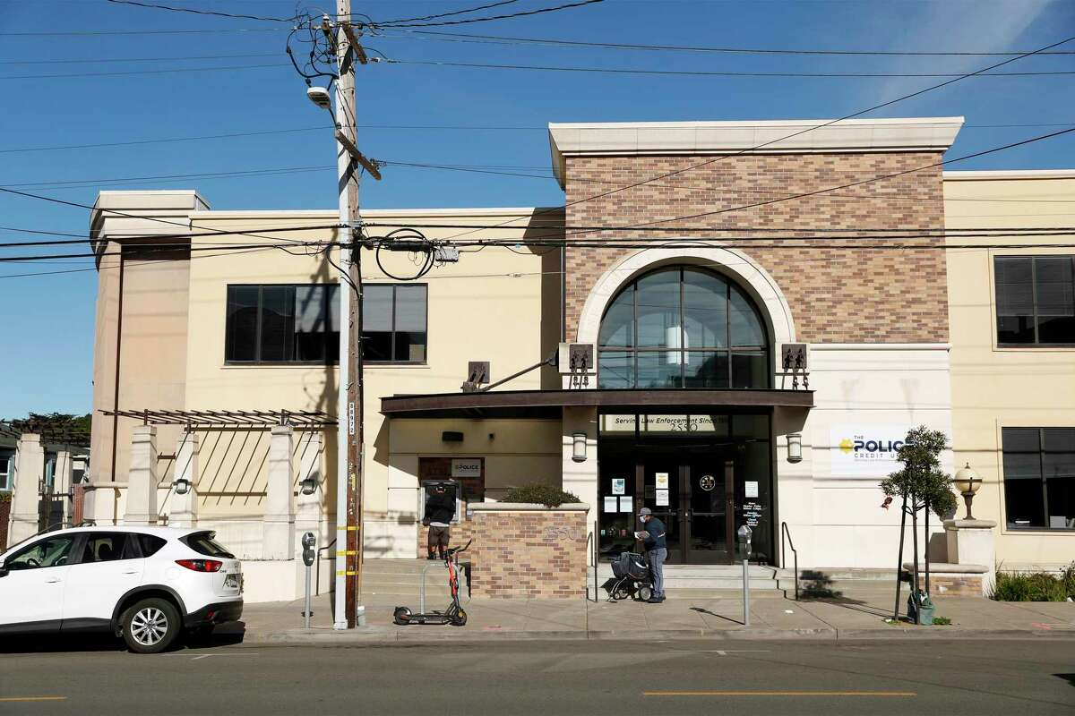 The Police Credit Union at 2550 Irving St., pictured Jan. 14, is a proposed site for a 7-story affordable housing project in the Sunset District.