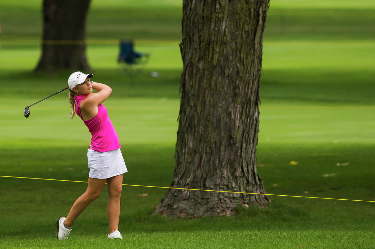 LPGA player Lindsey Weaver plays the 1st hole during round two of the Dow Great Lakes Bay Invitational Thursday, July 15, 2021 at the Midland Country Club. (Katy Kildee/kkildee@mdn.net)