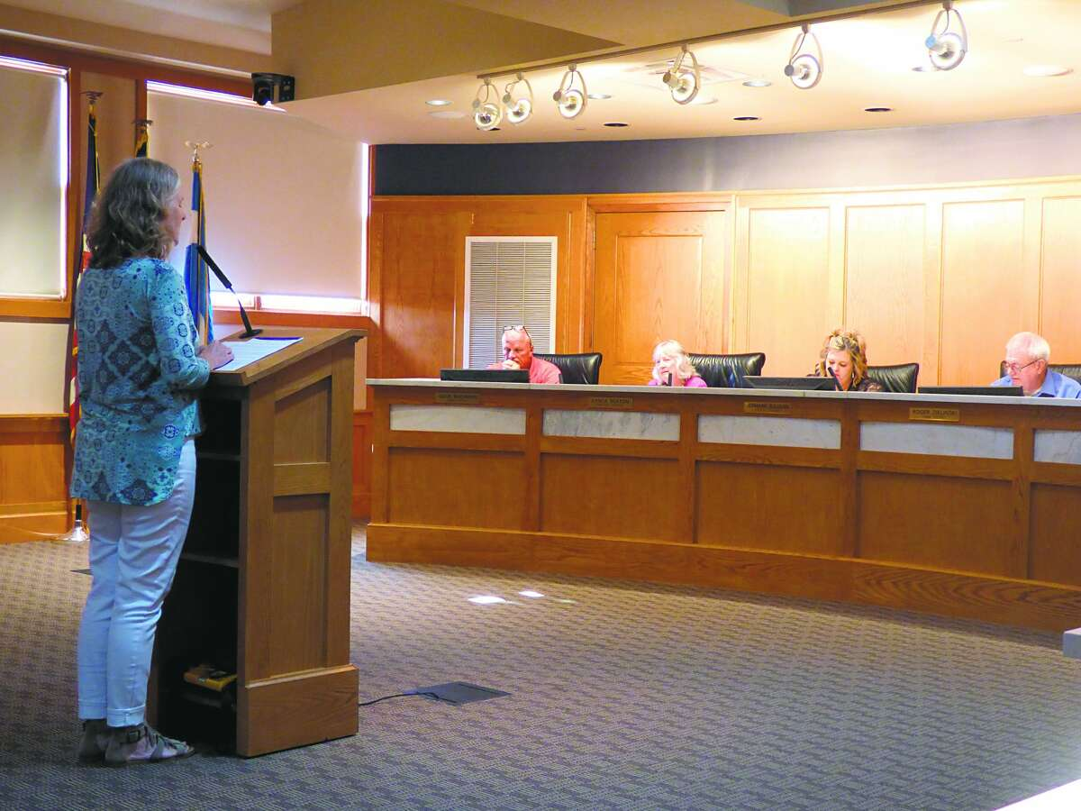 Manistee resident Kelly Greve spoke during this week's city council meeting about the current state of the city's infrastructure. She also heads Manistee Proud, a volunteer community organization which has been focused for the past several months on restoring sections of the city's Riverwalk.