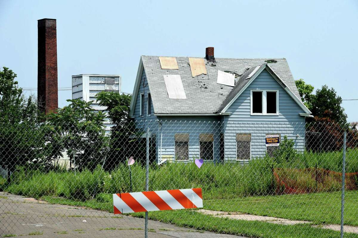 A house off of First Avenue in West Haven slated for demolition as part of The Haven mall project photographed on July 16, 2021.