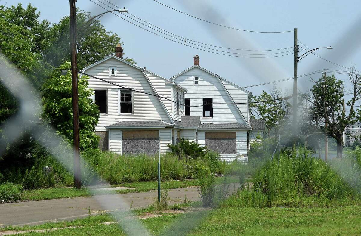 House next to First Avenue in West Haven slated for demolition as part of The Haven shopping center project pictured July 16, 2021.