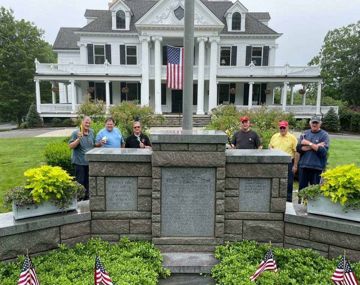 A crew of Marine Corps veterans recently took time off to restore the luster of one of Ridgefield's most cherished monuments: the Veterans Memorial Monument at Lounsbury House. The Marine Veterans of Fairfield County has performed community service in Ridgefield and surrounding towns for more than 40 years.