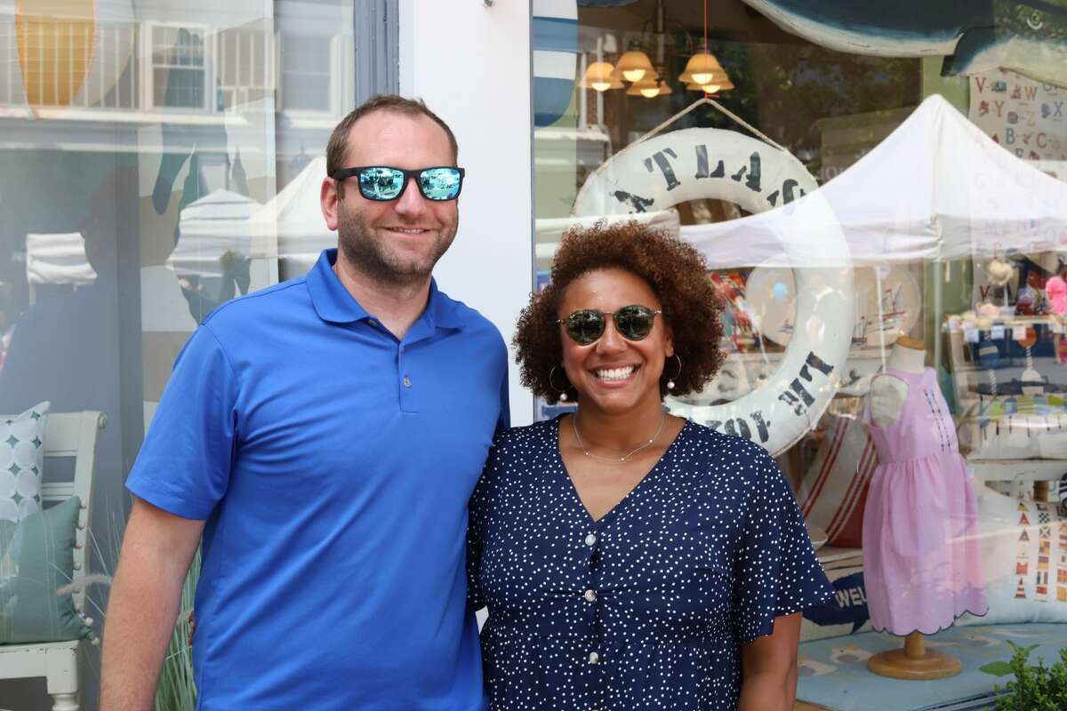 The New Canaan Chamber of Commerce hosted its annual Village Fair and Sidewalk Sale from Friday, July 16 to Saturday, July 17, 2021. Shoppers received discounts at participating shops and enjoyed food from local restaurants. Were you SEEN?