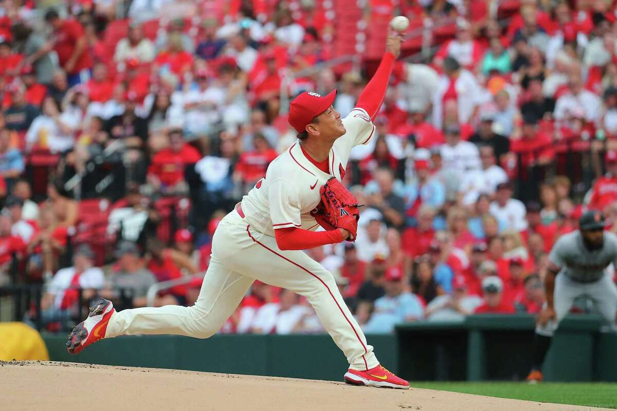 ST LOUIS, MO - JULY 17: Kwang Hyun Kim #33 of the St. Louis Cardinals delivers a pitch against the San Francisco Giants in the first inning at Busch Stadium on July 17, 2021 in St Louis, Missouri. (Photo by Dilip Vishwanat/Getty Images)
