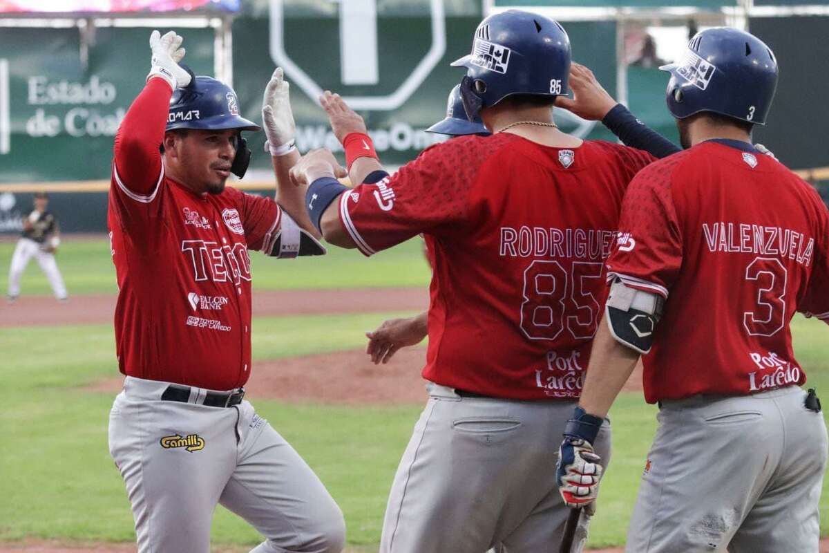 The Tecolotes Dos Laredos recorded 20 hits as they defeated Union Laguna 17-7 on Saturday.