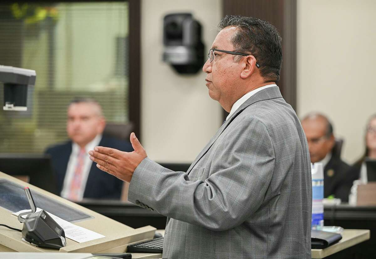 City of Laredo Utilities Director Arturo Garcia speaks to councilmembers at the City Council Chambers.