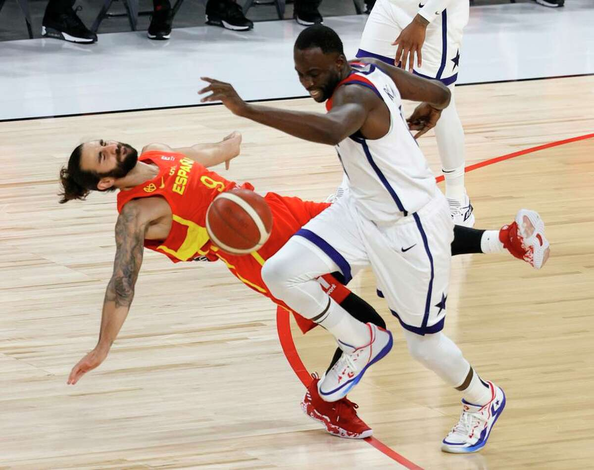 Draymond Green (right) steals the ball from Spain point guard Ricky Rubio during the Americans' tuneup win in Las Vegas.