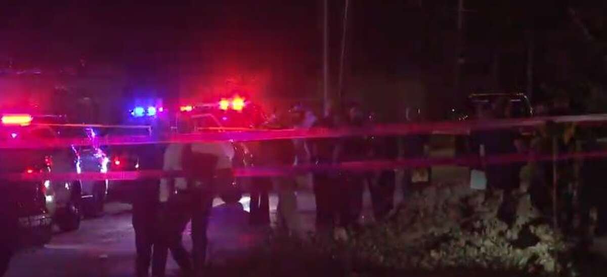 Houston Police Department Officers fatally shot a suspect who allegedly shot four others Sunday night in northwest Houston, killing two people, according to the agency.