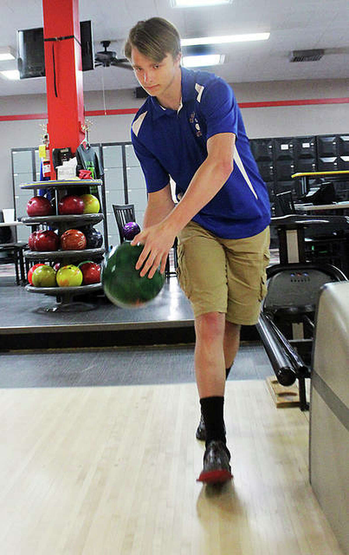 Logan Wonders of Roxana overcame a rough start to the 2021 season and finished strong with high games of 278 and 277 and high series of 727 and 744 in his last two matches.