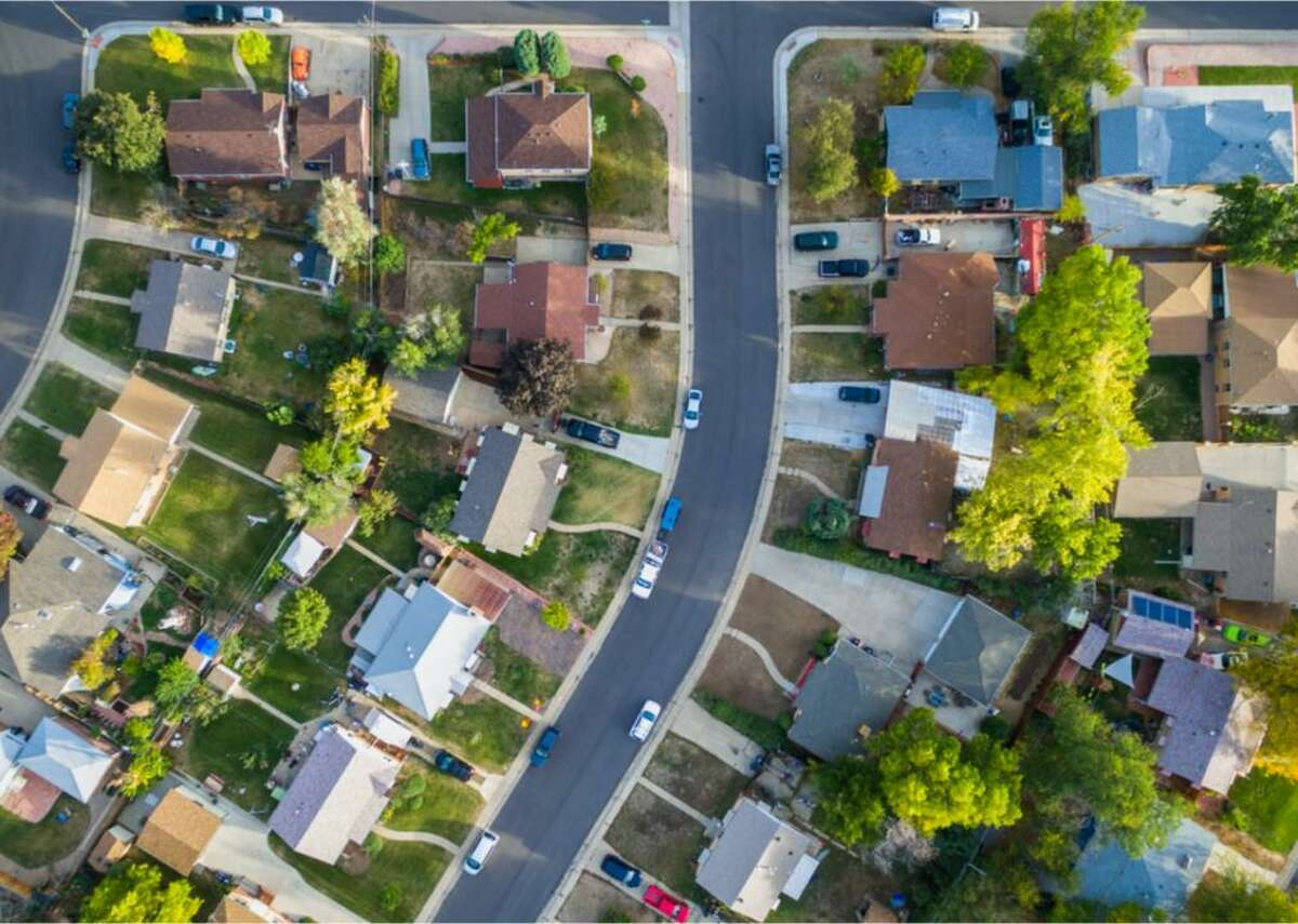 #4. Residential - Total return in 2021: 24.3% - Market capitalization: $200.9 billion Asking prices for residential real estate reached record numbers in May 2021. The average was $380,000, more than 15% higher than the previous year. Bloomberg suggests prices will continue to rise due to the imbalance between supply and demand, and that deregulation is the route to opening up the housing supply. But J.P. Morgan argues that corrections are possible, especially in some markets. Returns in 2021 are way up from a total return in 2020 of -10.69%.