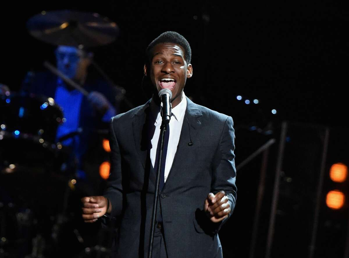 CLEVELAND, OH - APRIL 18: Musician Leon Bridges performs a song from the 5 Royals on stage during the 30th Annual Rock and Roll Hall of Fame Induction Ceremony at Public Hall on April 18, 2015 in Cleveland, Ohio.  (Photo by Mike Coppola / Getty Images)