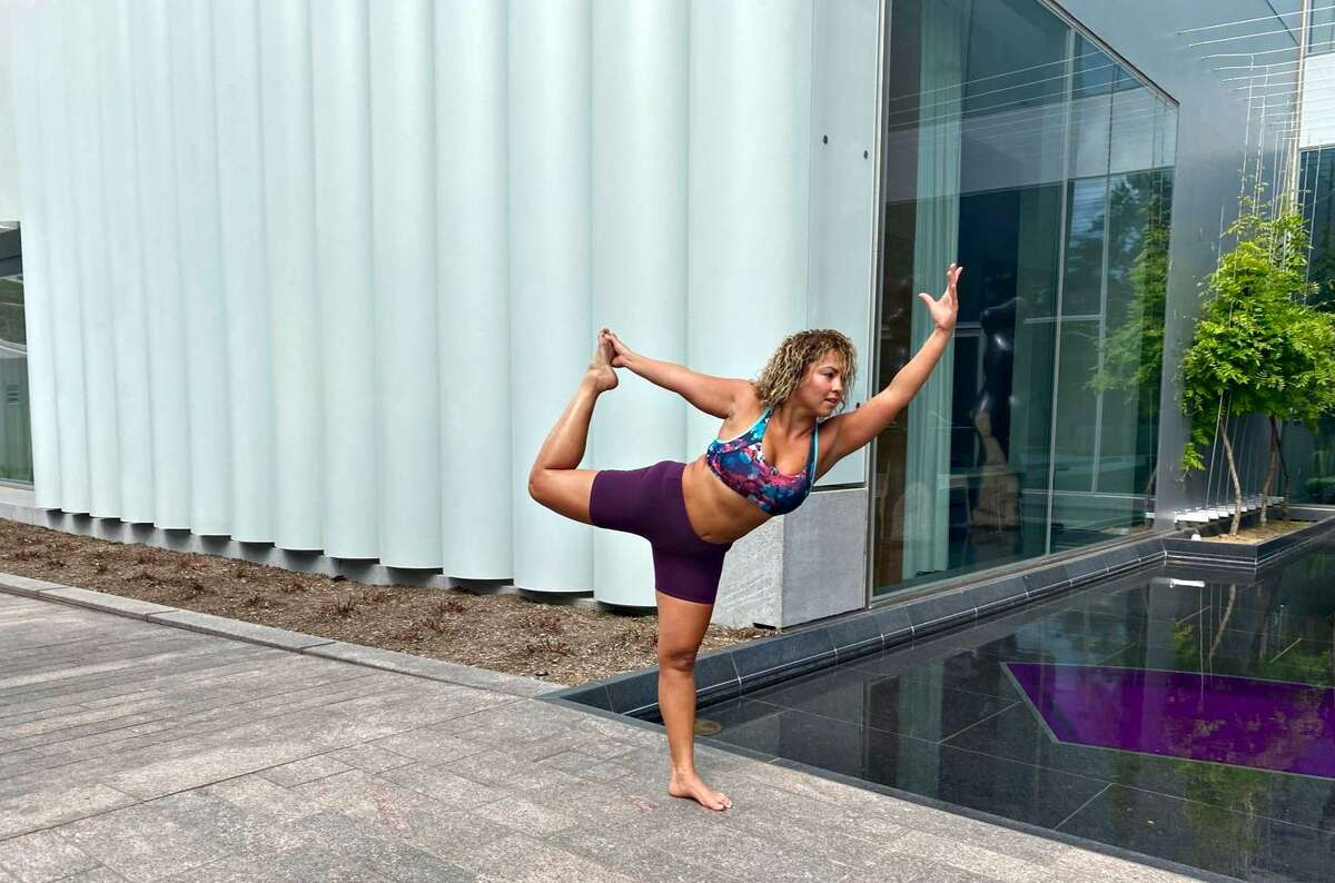 """Bilingual Yoga at the Museum for """"MFAH on the Move"""" with FiTMiX Communities."""