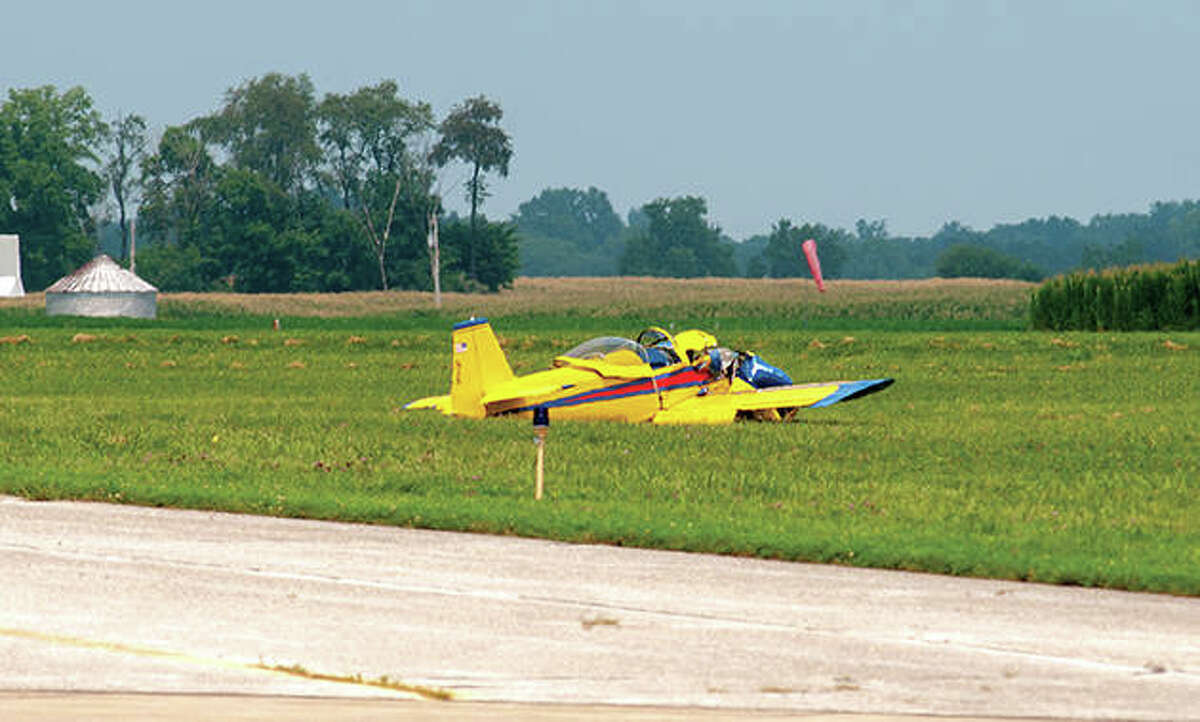 A single-engine experiment aircraft en route to Brooklyn, New York, crashed Wednesday while trying to land at Jacksonville Municipal Airport. According to reports, the pilot had trouble controlling the plane about 11 a.m., which caused the nose to spike up then turn and drop to the ground. A wing was damaged when it crashed onto a grassy area at the airport. The pilot declined medical treatment.