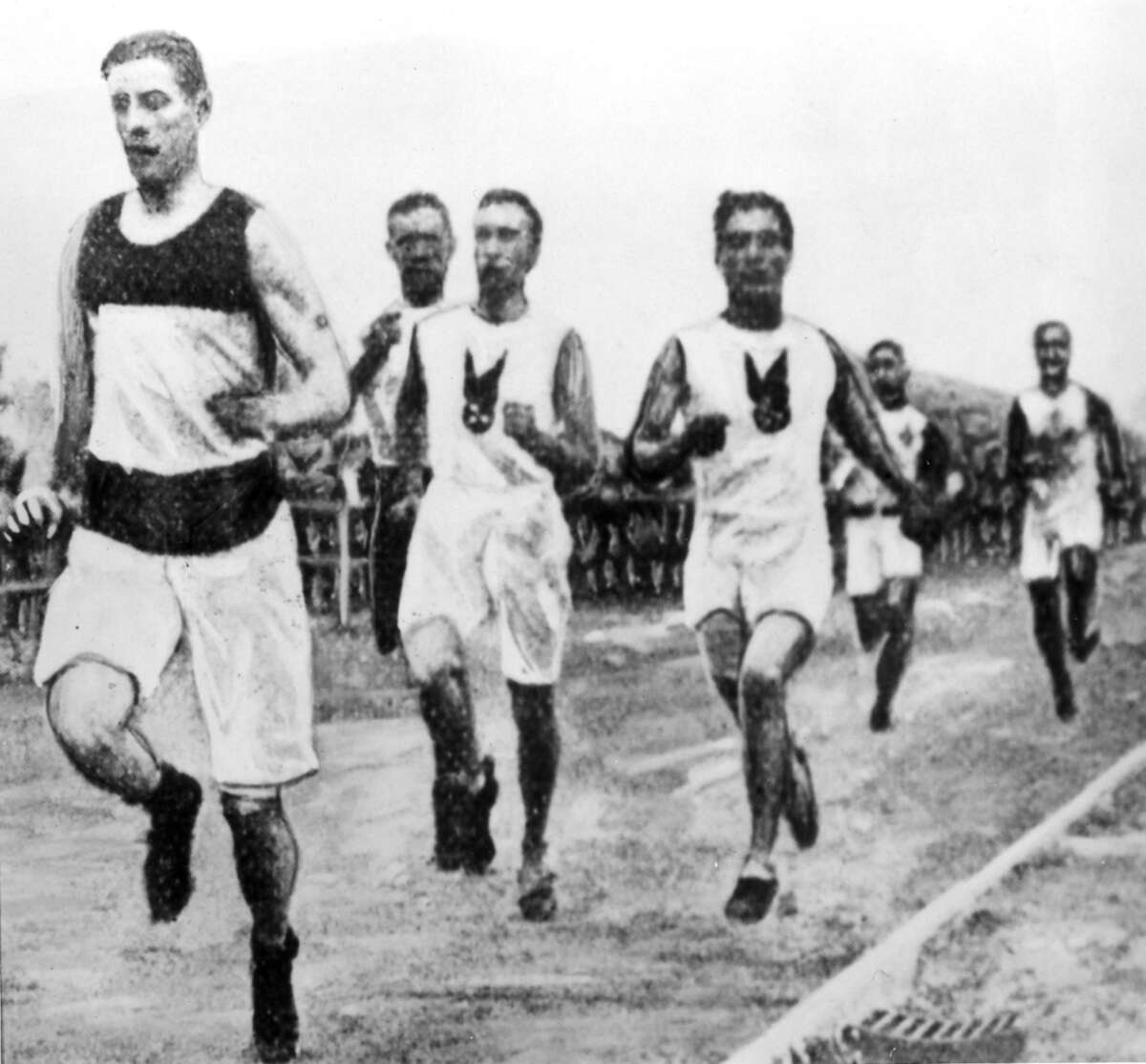 Runners participate in the 1500-meter track and field event during the 1904 St. Louis Olympics (Photo by ullstein bild/ullstein bild via Getty Images)
